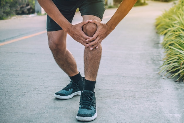 Runner knee pain when running, people sport healthy