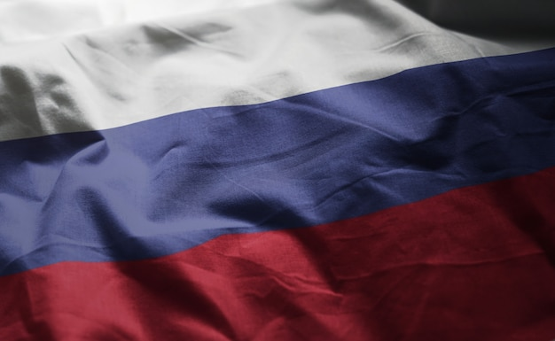 Флаг россии помятый крупным планом