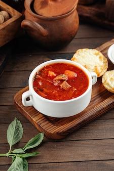 ロシアのビートルートスープボルシチ