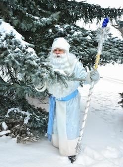 러시아 크리스마스 캐릭터 ded moroz(frost frost) 야외