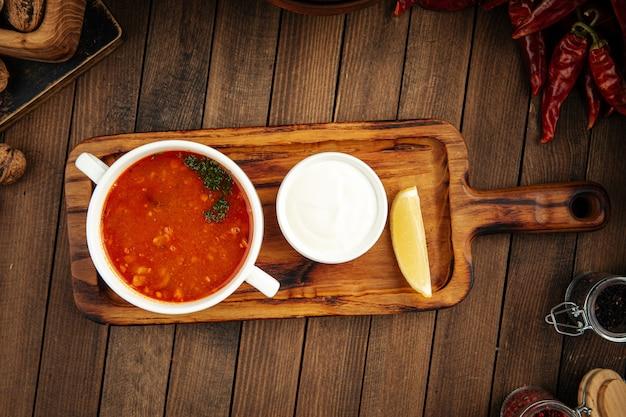 ロシア料理ソリャンカプレハブ肉汁