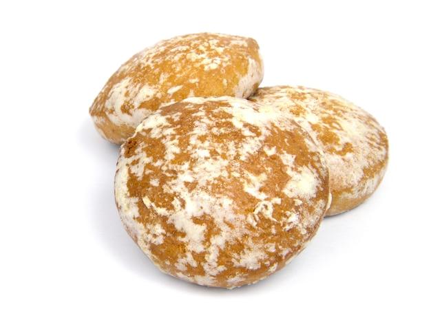 흰색 표면에 러시아 진저 쿠키