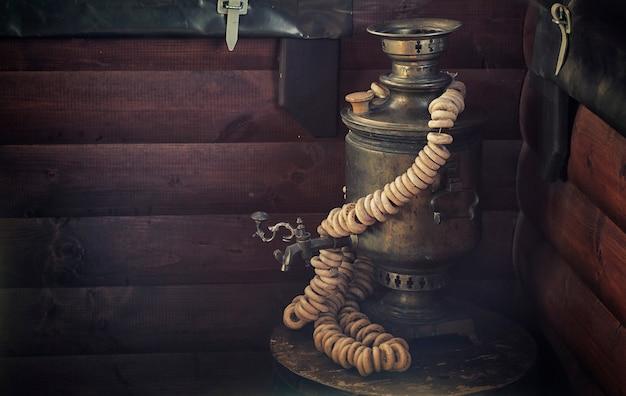 ロシア国立ティーポットサモワール本物の食品背景ビンテージ写真効果