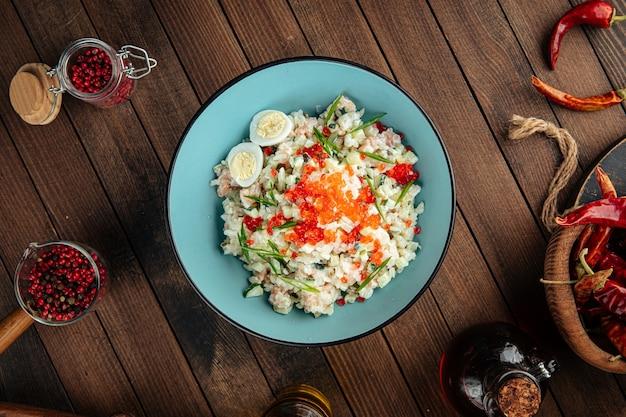Русский салат оливье с лососем и икрой