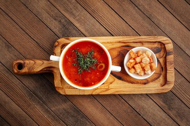 Русский суп солянка с копченостями