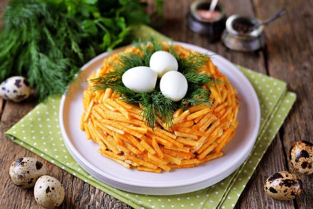 ロシアの伝統的なお祝いサラダ「grouse's nest」