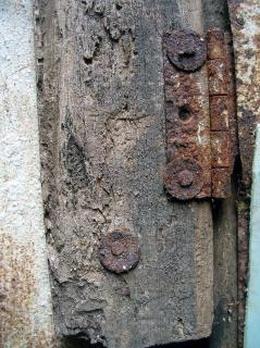 Rusted hinges, hinges
