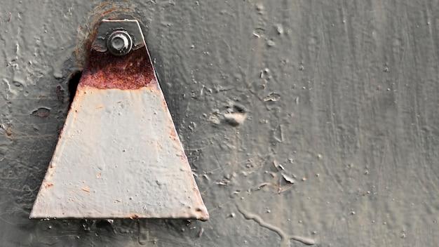 装飾が施されたさびた傷のある鋼の質感