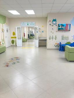 Ryazanrussia 2021年7月12日病院垂直の子供部門の内部