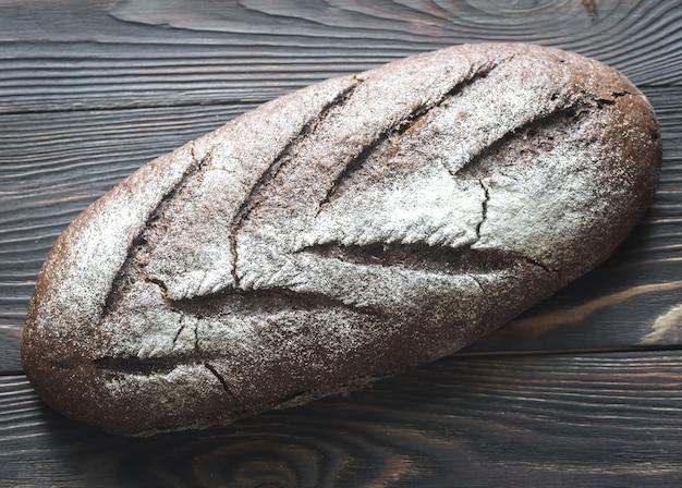木の上のライ麦パン
