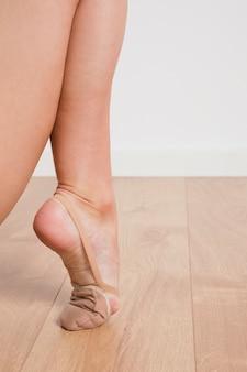 Rythmic gymnast feet