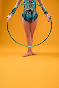 Rythmic gymnast using the hoop
