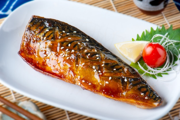 Saba fish grilled with sauce.