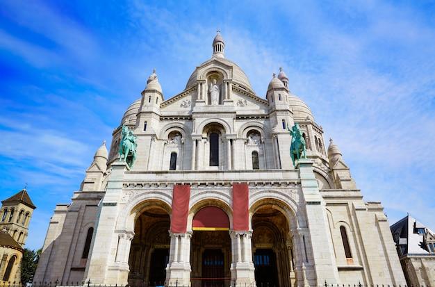 Sacre coeur basilique in montmartre paris