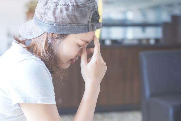 슬픈 소녀, 불행한 아시아 여자