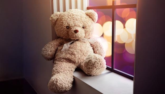 Концепция грусти и одиночества. одинокий плюшевый медведь