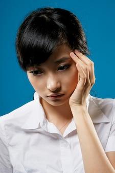 슬픔, 아시아 비즈니스 우먼의 근접 촬영 초상화