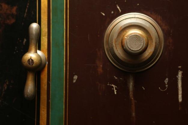 Безопасная комбинация двери