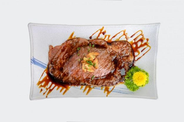 Saga wagyu кусочек говядины с соусом терияки