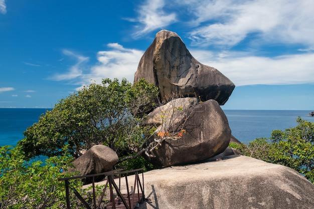 시밀란 국립공원 섬의 돛 바위 자연석 스택 아치 랜드마크