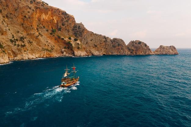 メデテラニアン海のヨット
