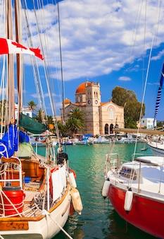 美しいギリシャの島々でのセーリング