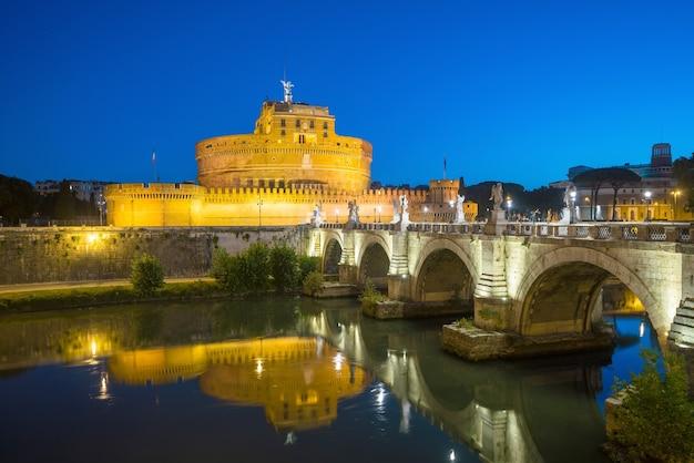 ブルースキーとイタリア、ローマのサンタンジェロ城