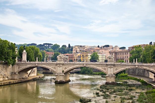 세인트 안젤로 다리와 tiber, 로마, 이탈리아