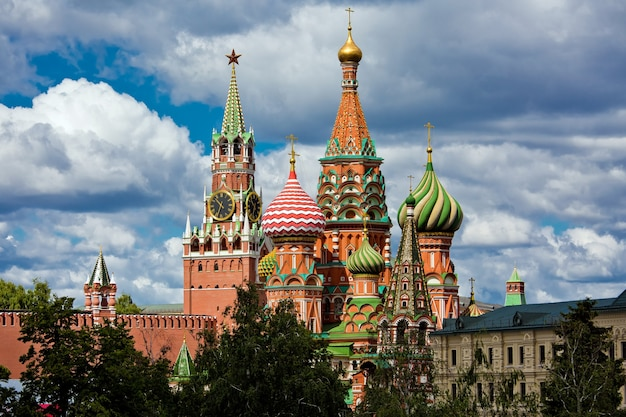 Saint basil church in moscow russia view from new zaryadie park