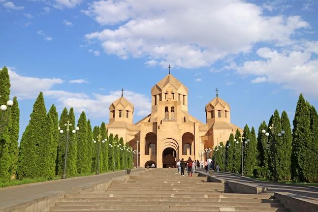 Собор святого григория просветителя в ереване, армения