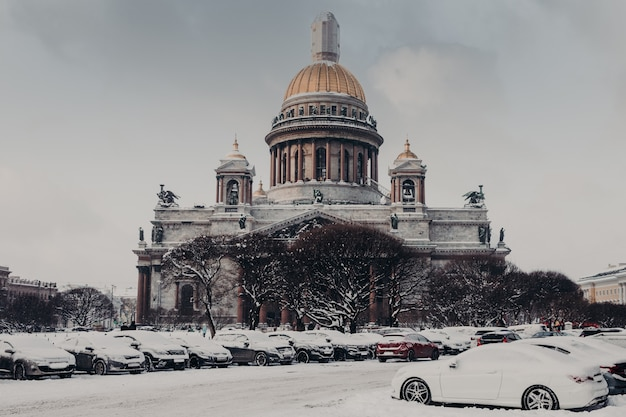 Saint isaac's cathedral in saint petersburg, russia. beautiful view of historical monument or landmark during winter wether