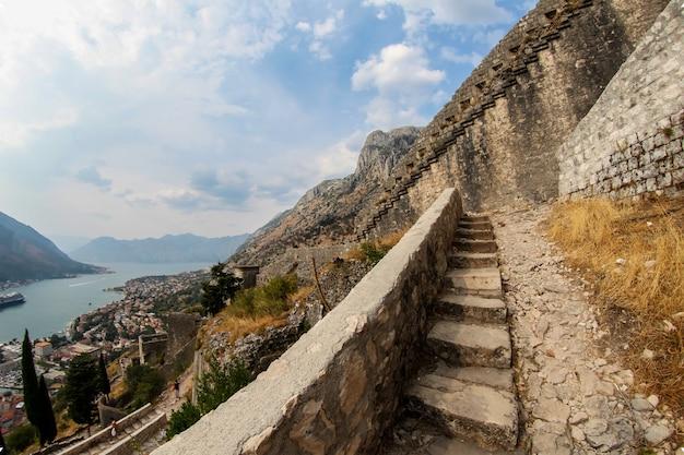 モンテネグロ、コトルのセントジョン要塞