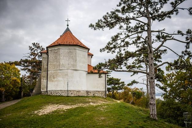 ハンガリー、vonyarcvashegyのバラトン湖にある聖ミカエル礼拝堂