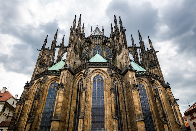 聖ヴィート大聖堂、プラハ、チェコ共和国。旅行と観光で有名なヨーロッパの町