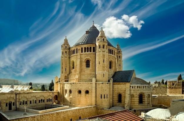 Армянский собор святых якобов - армянская церковь 12 века в иерусалиме, израиль.