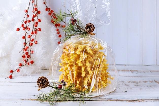 クリスマスのためのシャコティスリトアニアケーキ
