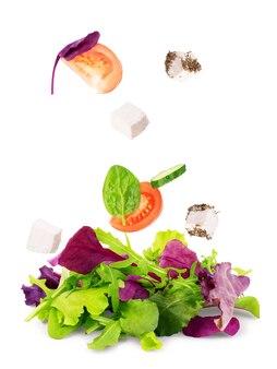 샐러드 믹스 arugula frisee radicchio와 흰색 배경에 시금치