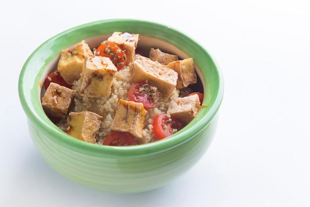 Salad of tofu and quinoa