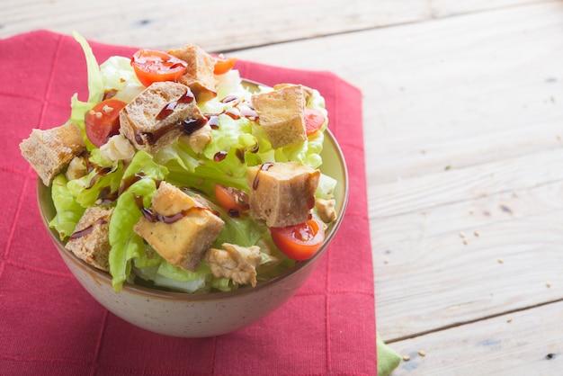 Salad of tofu