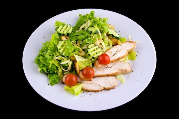 구운 닭 가슴살 샐러드: 치킨 필레, 버섯 샴피뇽, 오이, 모짜렐라 치즈, 양상추 잎, 방울 토마토. 평면도