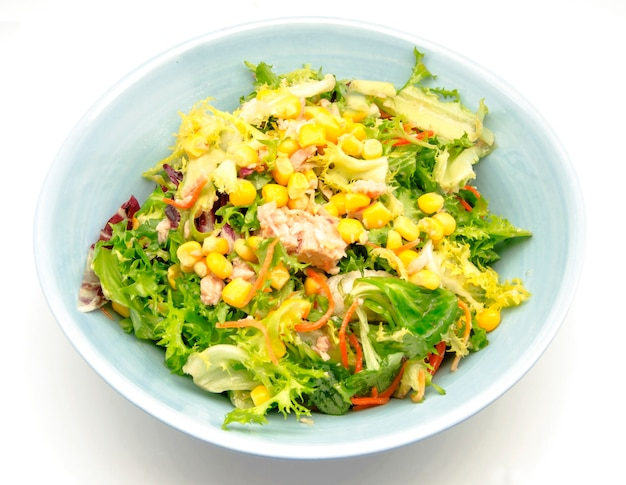 Salad with lettuce, corn and tuna
