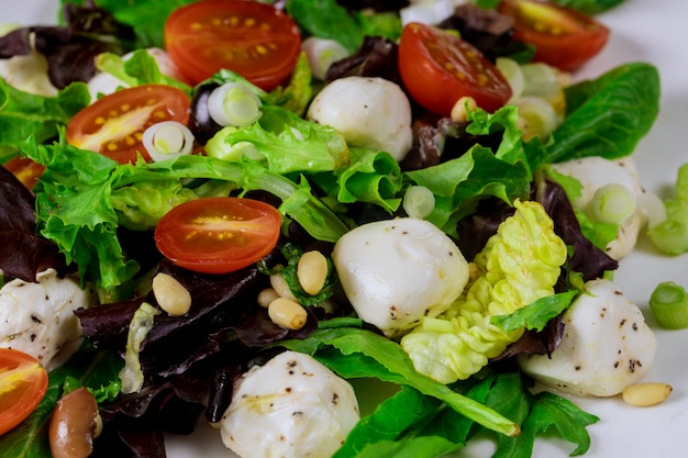 Salad with mozzarella and cherry tomatoes