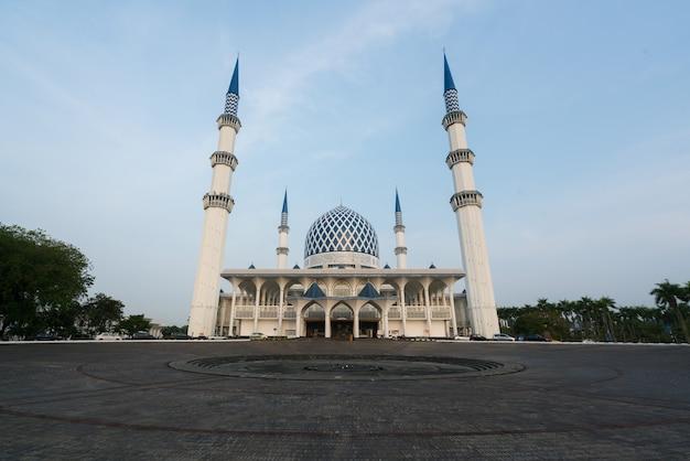 Salahuddin abdul azizシャーモスク、マレーシアのスランゴール州シャーアラムにあります。