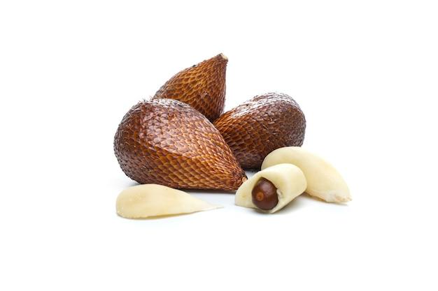 サラクポンドは、ジョグジャカルタ特別地域のスレマンリージェンシーで広く栽培されているザラッカ品種の1つです。