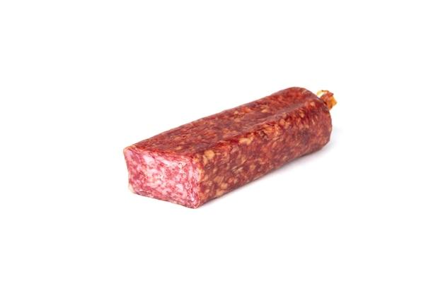 Колбаса салями, изолированные на белом фоне