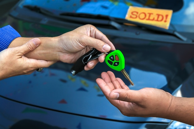 Salesman gave car keys to customers with humility