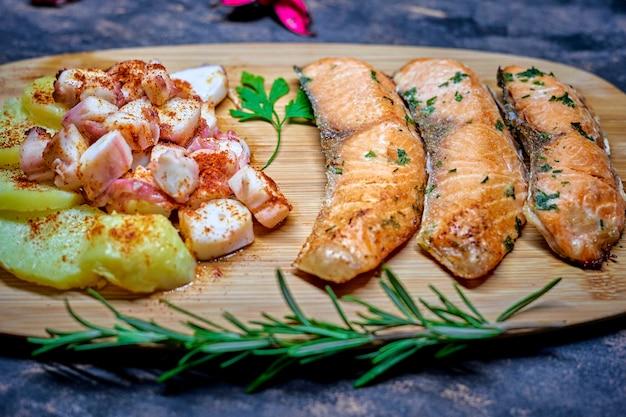 Блюдо из лосося на ужин