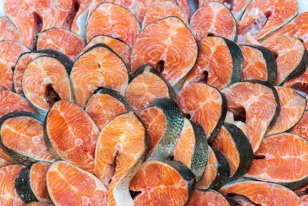 Стейки из лососевой рыбы. продам морепродукты в магазине.