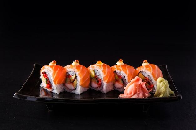 Salmon roll, salmon maki