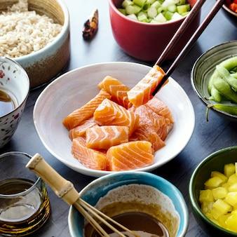 Salmone con verdure e fotografia di riso
